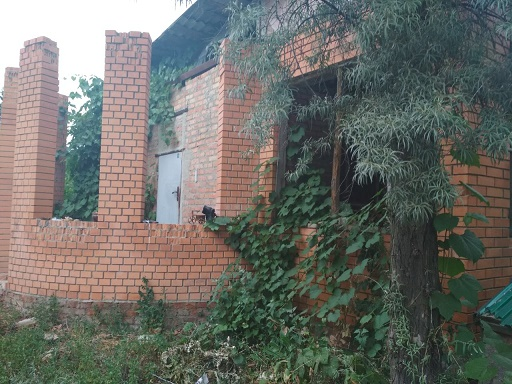 002011 * Участок с недостроенным домом на Павловом поле