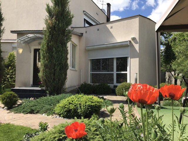 004011 * Продам 2-х эт дом в п. Высокий
