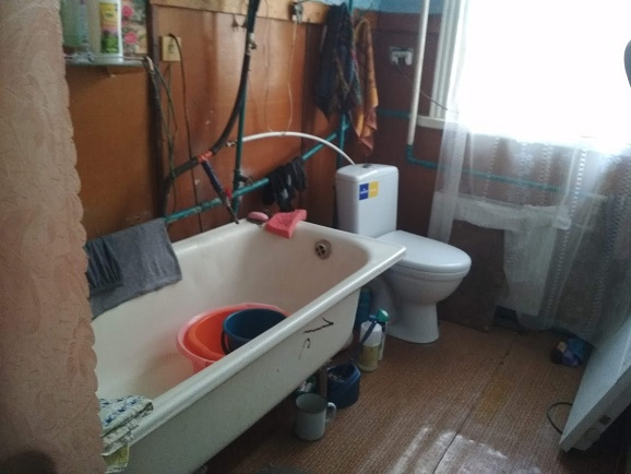 016021 (2)016021 * 2 дома на участке в Новопокровке