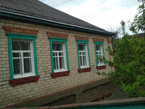 016021 (4)016021 * 2 дома на участке в Новопокровке